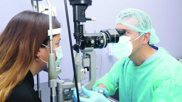 Los oftalmólogos analizan dejar de atender prepagas y obras sociales