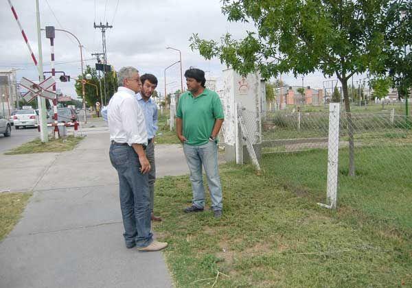 Desmalezarán y parquizarán en Vélez Sarsfield