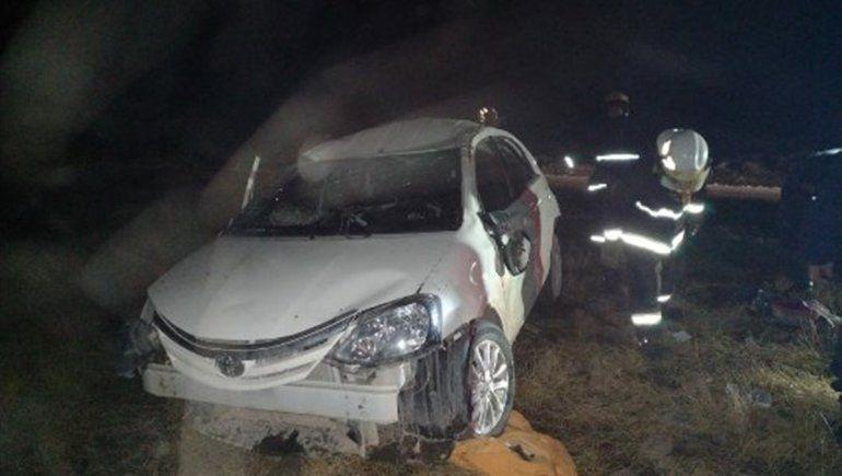 Una familia cipoleña sufrió un brutal vuelco cerca de El Huecú