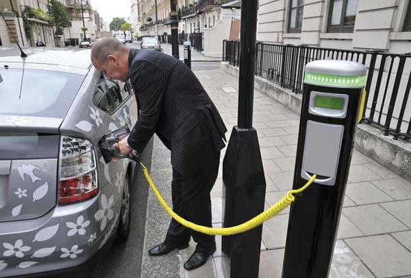 El coche del futuro seguirá enganchado a la nafta y el gasoil