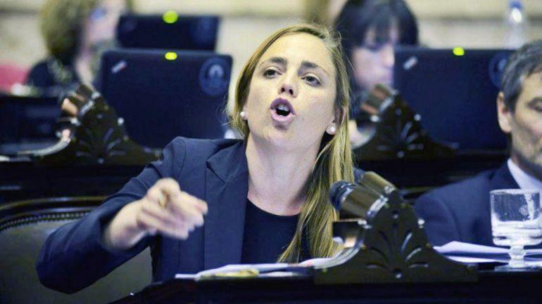 María Emilia Soria pretende disminuir el consumo eléctrico en los veranos.