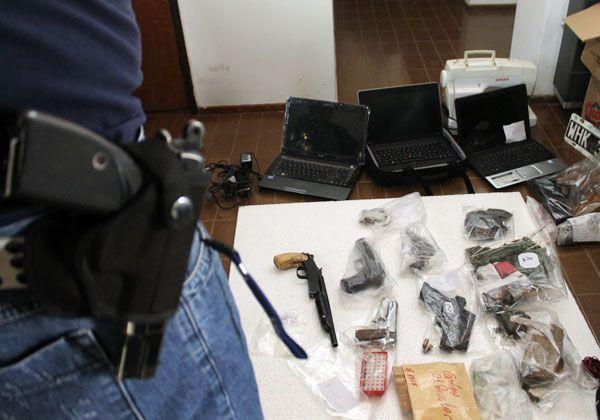 Detuvieron a 16 personas tras múltiples allanamientos en Cipolletti