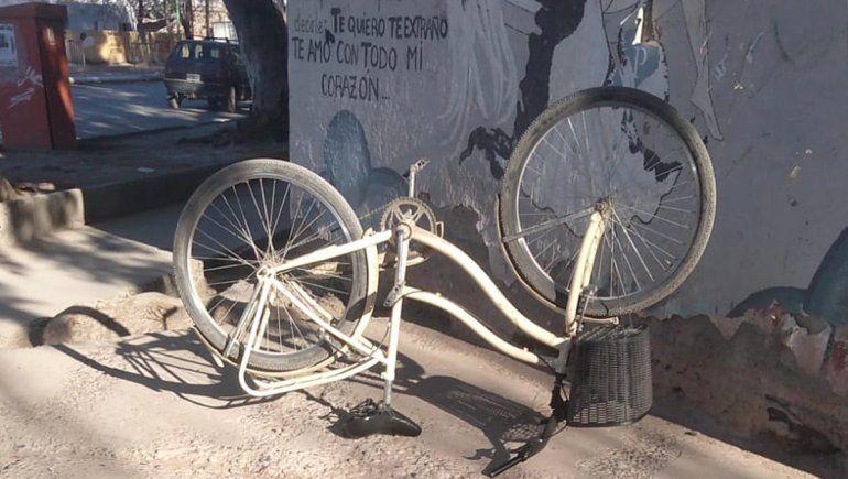 Los atraparon paseando por la ciudad con una bicicleta robada