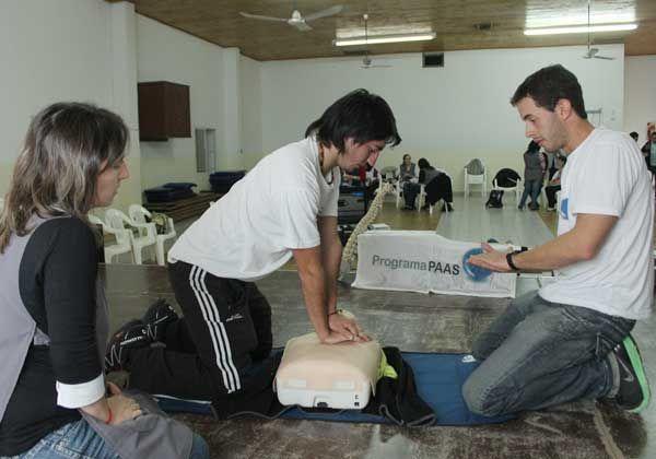 Enseñan primeros auxilios a maestros