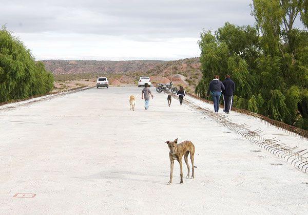El puente de Isla Jordán sigue abandonado