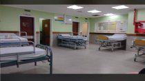 habilitaron camas de internacion en la sala de espera del hospital