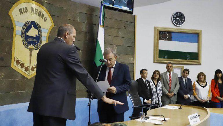 El nuevo vicegobernador Palmieri y 46 legisladores de Río Negro juraron en la Legislatura