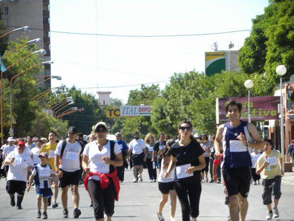 Corrida Solidaria 2010 en Cinco Saltos