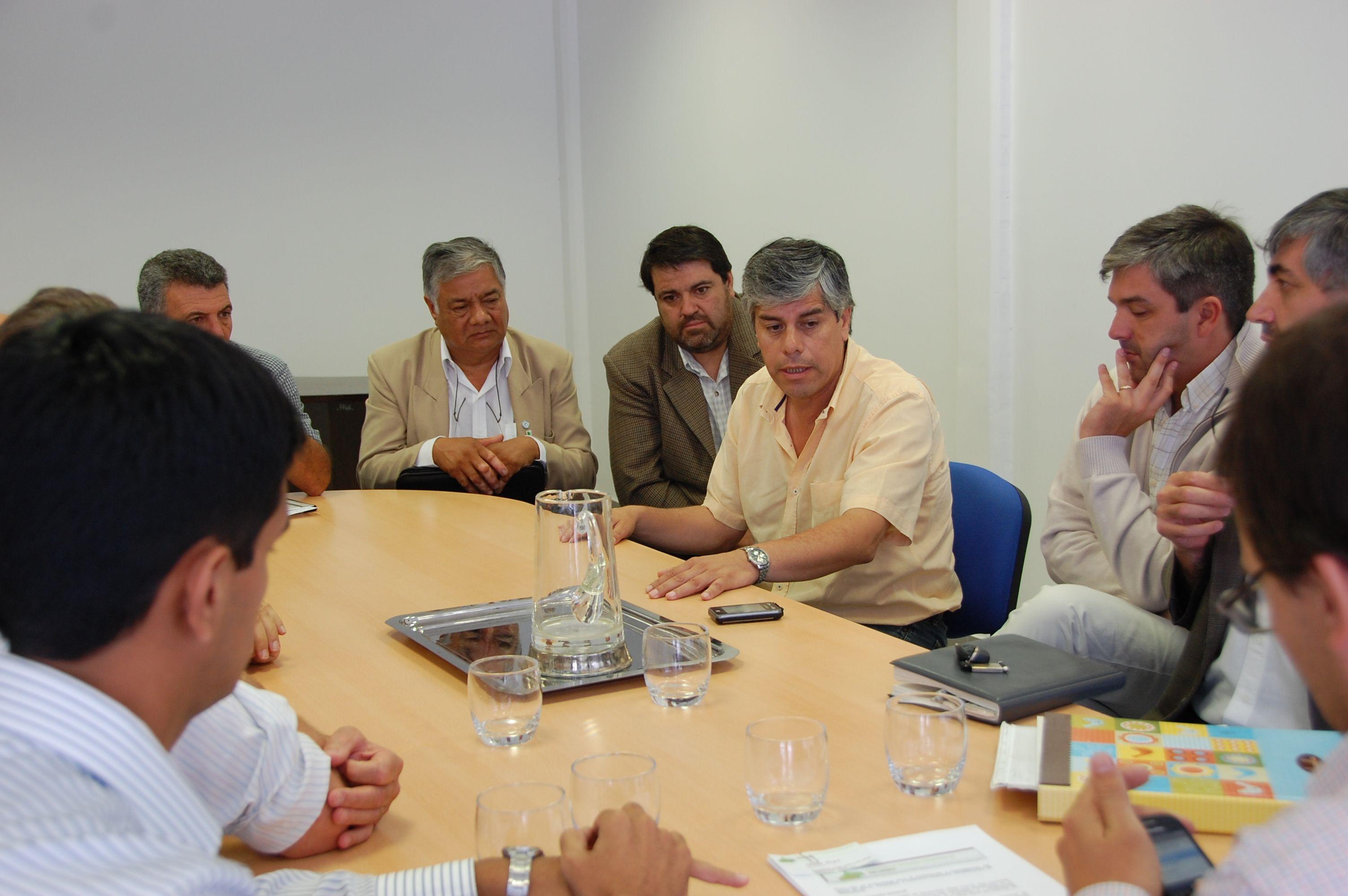 Peralta volvió a reunirse con la Federación de Empresarios de Río Negro