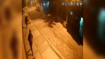 video: asi les robaron a tres adolescentes en la calle kossman