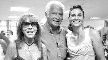 Gabriela Sabatini con sus padres Betty recientemente fallecida y su papá Osvaldo que murió en 2016.