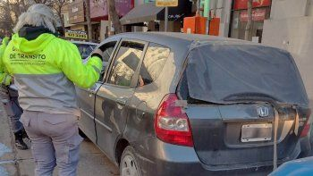 circulaba sin papeles, le retuvieron el auto y agredio a los inspectores