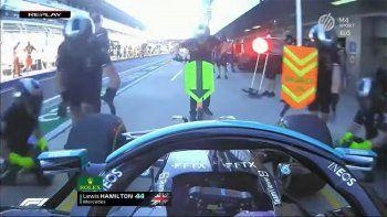 Hamilton casi provoca una tragedia: atropelló a uno de sus mecánicos