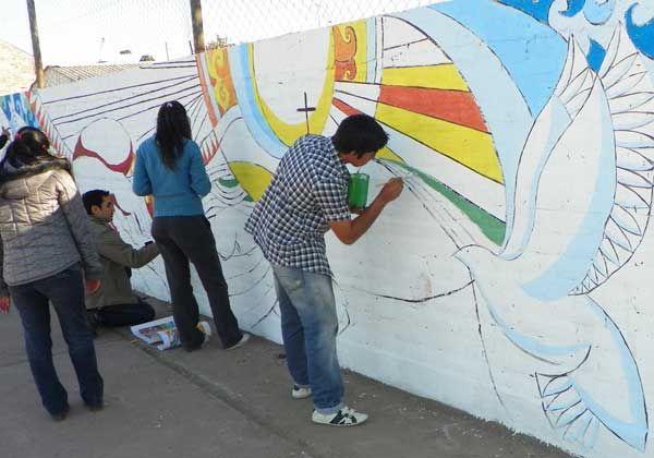 Pintan y realizan tareas solidarias