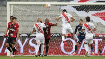 En la ida empataron 1 a 1. Díaz hizo el gol de River.