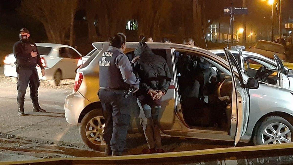 balearon un auto que habia sido robado en neuquen