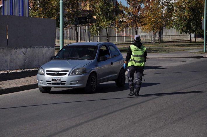 Nueve contravenciones y vehículos retenidos en Cipolletti