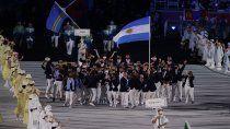 juegos olimpicos: asi fue el euforico ingreso de la delegacion argentina en tokio