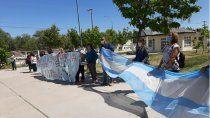 trabajadores de salud se manifestaron frente al hospital local