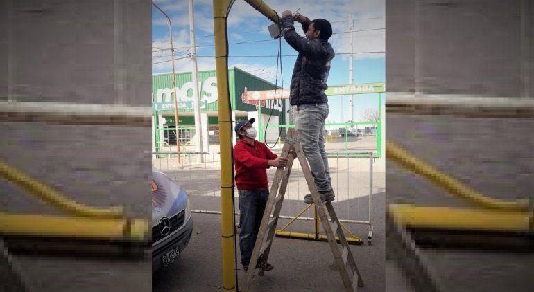 Armaron un arco desinfectante frente a la radio Puerto Argentino