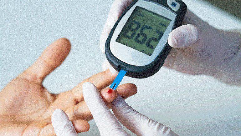 La justicia ordenó a prepaga cubrir el monitoreo de glucosa