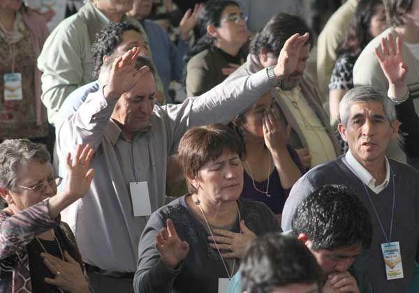 Una multitud de rionegrinos se unió por la fe en Cipolletti