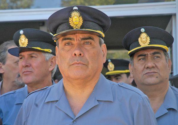 Superabundancia policial para tareas burocráticas