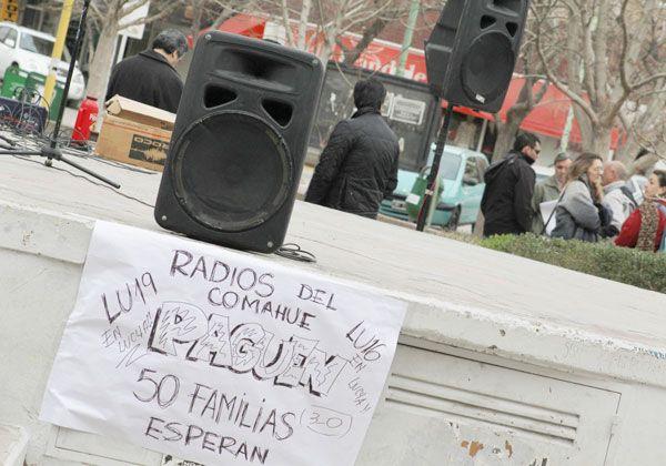 Trabajadores de LU19 reclamaron por el pago adeudado de sueldos