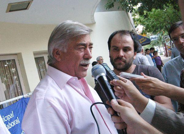 Provincia se hará cargo de la deuda de los productores frutícolas con el Banco Nación