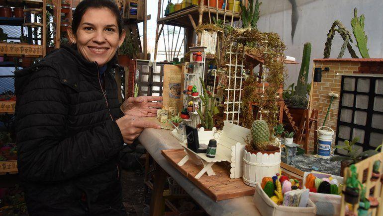 La emprendedora de Neuquén que fabrica mundos en miniatura
