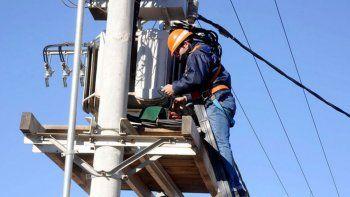 el municipio licitara la obra de alumbrado publico en santa elena