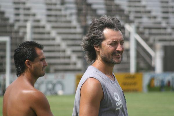 El nuevo cuerpo técnico de Cipolletti ya apunta al 2011
