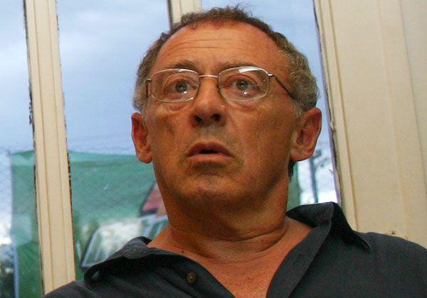 Freiberg renunció a los cargos, pero no al trabajo