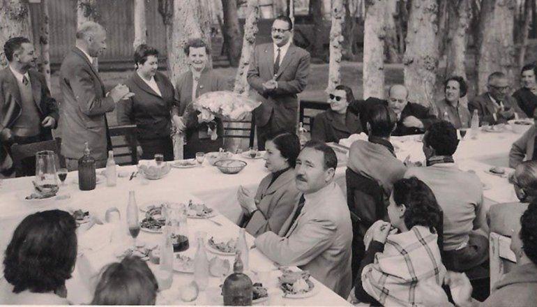 Dominga Cicirillo en una comida peronista.
