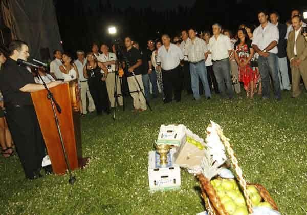 Comenzó la XIV edición de la Fiesta Nacional de la Pera