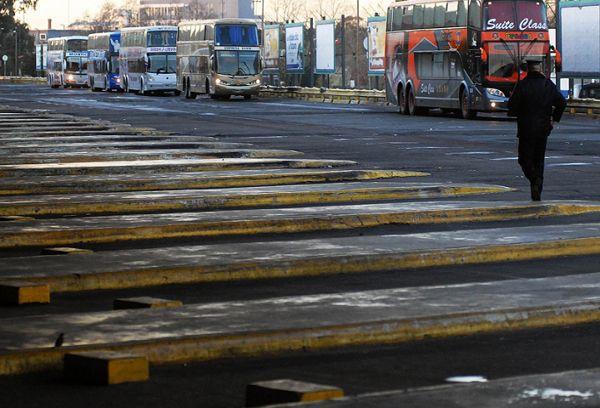 Paro nacional de ómnibus de larga distancia por tiempo indeterminado