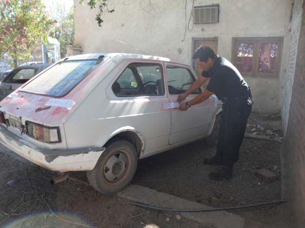 Robaron auto en Cipolletti y los atraparon en Fernández Oro