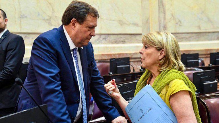 Weretilneck pidió normalizar el pago de las obras sociales a personal de salud