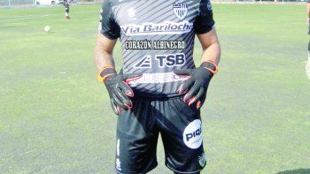 Alex Verón es el arquero de la primera local de Cipo.