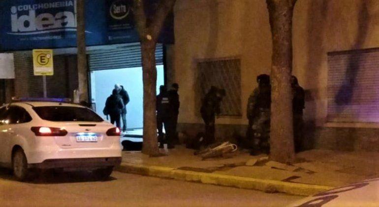 Cuatro hombres detenidos por violenta gresca en pleno centro