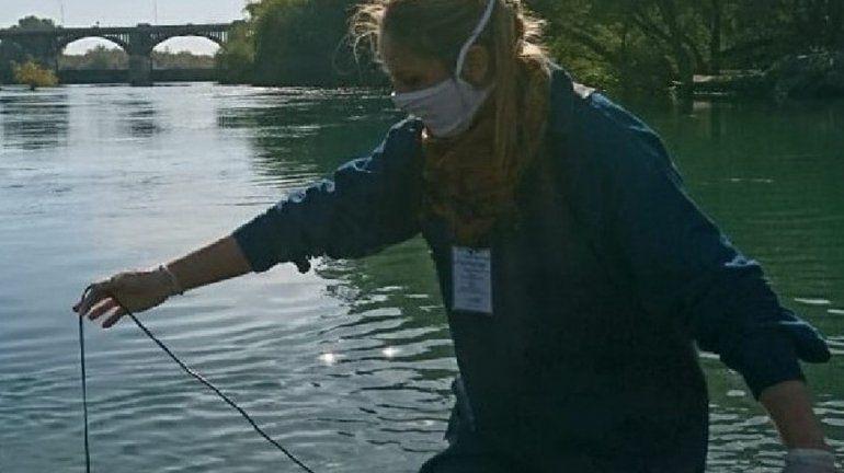Monitorean la calidad del agua sobre la cuenca de los ríos Limay, Neuquén y Negro