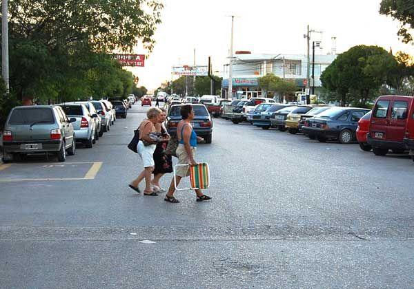 Prohíben estacionamiento de camiones, colectivos y casas rodantes en Las Grutas