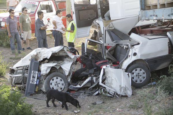 Dos muertos en terrible accidente en Allen
