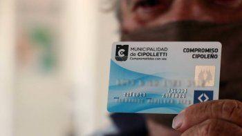 el municipio cambia las cajas alimentarias por una tarjeta de debito