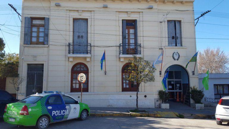 La policía trata de establecer cómo se robaron una caja fuerte con un millón y medio de pesos.