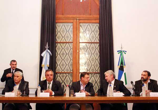 Weretilneck apuesta al comité contra la impunidad