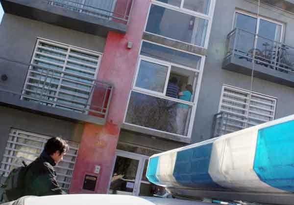 Atrapados tras un robo en edificio de departamentos