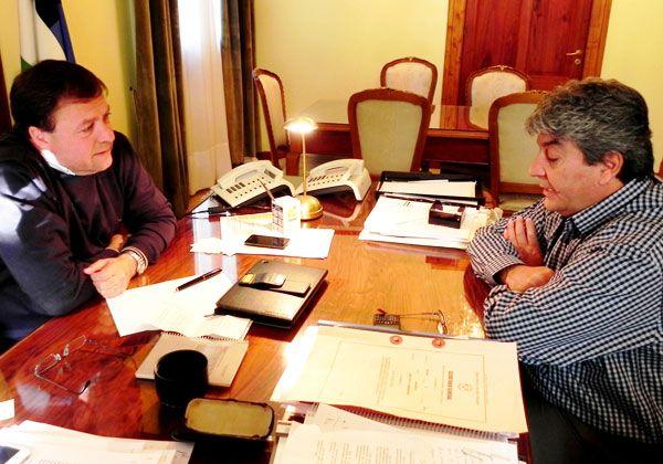 Weretilneck se reunirá con los intendentes opositores