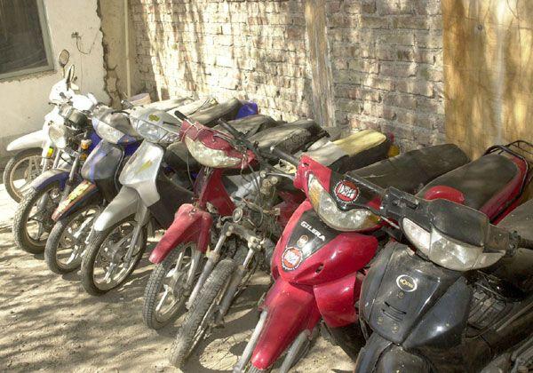Convocan a víctimas de robo de motos