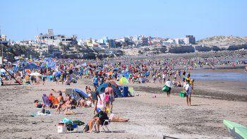 Las Grutas tendrá hoy otra jornada calurosa, ideal para estar junto al mar.